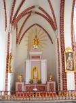 Wnętrze kościoła-1